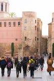 БАРСЕЛОНА, ИСПАНИЯ - 16-ОЕ ФЕВРАЛЯ 2017: Римские башни в готическом квартальном районе Gothico вертикально Стоковые Изображения RF
