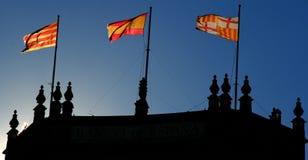Барселона, Каталония, Испания - Испания и Catalunya сигнализируют стоковое изображение