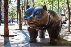 Барселона, Испания - 20-ое апреля 2016: Скульптура кота в El Raval Стоковое Изображение