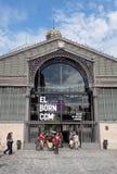 Барселона, Испания - 25-ое сентября 2016: Фасад принесенный El культурный мемориальный разбивочный стоковые фотографии rf