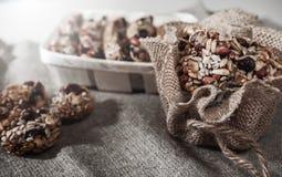 Бары хлопьев, семена подсолнуха, хрупкое арахиса стоковые изображения