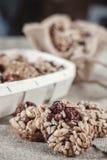 Бары хлопьев, семена подсолнуха, хрупкое арахиса, стоковые фото