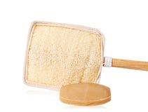 Бар естественного коричневого мыла и деревянных люфы или щетки люфы для Стоковое Изображение RF
