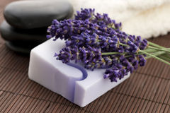 Бар естественных мыла и лаванды Стоковое фото RF
