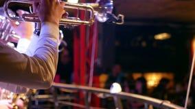 Бар музыки саксофона трубы видеоматериал