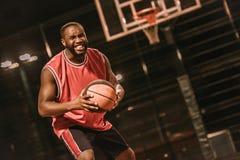 Баскетболист американца Афро Стоковые Изображения