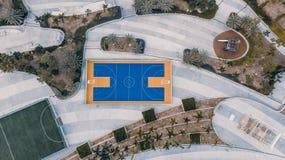 Баскетбольная площадка от взгляд сверху стоковые изображения