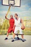 2 баскетболиста на суде Стоковое фото RF