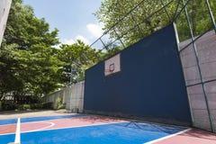 баскетбольная площадка напольная Стоковые Изображения