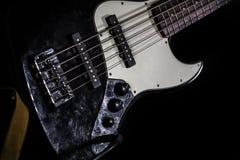 Басовая гитара, музыкальный инструмент Стоковые Фотографии RF