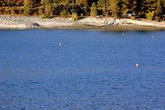 Басовое озеро, национальный лес Сьерры, Madera County, Калифорния стоковое изображение