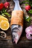 Басовые рыбы и овощи Стоковые Изображения RF