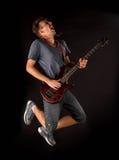 Басовый гитарист стоковая фотография