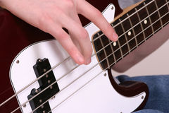 басовый играть Стоковые Фото