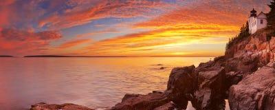 Басовый маяк головы гавани, Acadia NP, Мейн, США Стоковое Изображение RF