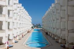 бассеин гостиницы стоковое изображение
