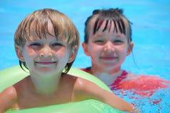 бассеин детей счастливый Стоковое Изображение