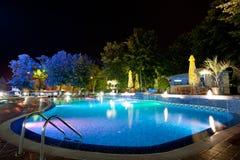 бассеин ночи гостиницы Стоковое Изображение RF