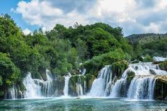 Бассейн водопада и утеса Стоковое Изображение