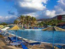 Бассейн гостиницы в Hersonissos, Крите Стоковое Изображение