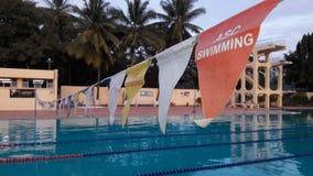 Бассейн готовый для того чтобы участвовать в гонке Стоковая Фотография RF