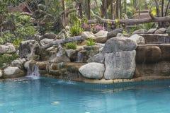 Бассейн и внешний дизайн стоковая фотография rf