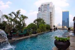 Бассейн крыши верхний - Бангкок - Таиланд Стоковая Фотография RF