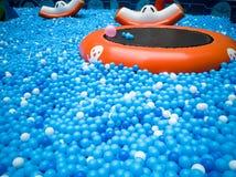 Бассейн пузыря для детей с игрушками Стоковое фото RF