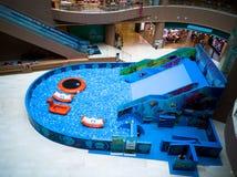 Бассейн пузыря для детей с игрушками Стоковое Изображение