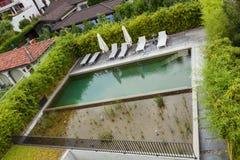 Бассейн роскошных жилых домов Стоковая Фотография RF