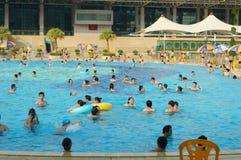 Бассейн, люди в заплывании Стоковая Фотография RF