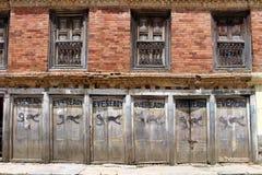 """Батарея, """"Eveready """"как покрашено на одной стене вокруг городка Dhulikhel старого стоковое изображение"""