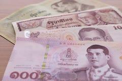 Бат банкноты 100 тайский стоковые фото