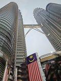 Башни Близнецы Petronas взгляда предыдущего вечера Стоковые Фото