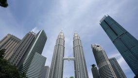 Башни Близнецы Petronas в Куалае-Лумпур видеоматериал