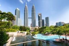 Башни Близнецы Petronas и Suria KLCC Стоковое Изображение