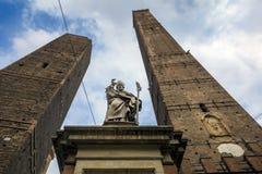 2 башни болонья в северной Италии Стоковые Фото