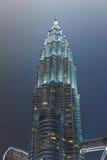 Башни Близнецы на Куалае-Лумпур (Малайзия) стоковые изображения