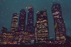 Башни города крупного бизнеса в Москве в зиме Стоковые Изображения RF