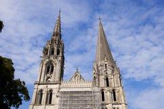 2 башни готической церков в Париже. Стоковые Фотографии RF