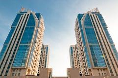 башни дома симметричные Стоковая Фотография RF