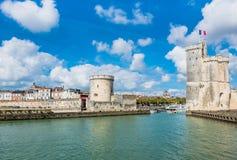 Башни древней крепости La Rochelle Франции стоковые фото