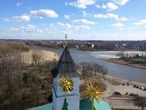 Башни и архитектурноакустические элементы старого Кремля на предпосы стоковая фотография rf