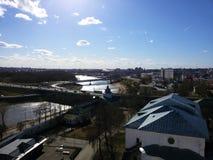 Башни и архитектурноакустические элементы старого Кремля на предпосы стоковые фотографии rf