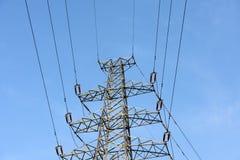Башни и линии силы с голубым небом Стоковое фото RF