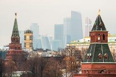 Башни и небоскребы Кремля Стоковые Изображения RF