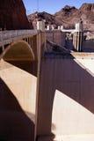 Башни и турбины на запруде Hoover Стоковая Фотография RF