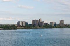 Башни квартиры берега реки Стоковое Изображение