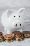 Башни копилки и денег Стоковые Фото