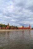 Башни Кремля, взгляда от реки Москвы Стоковое Изображение